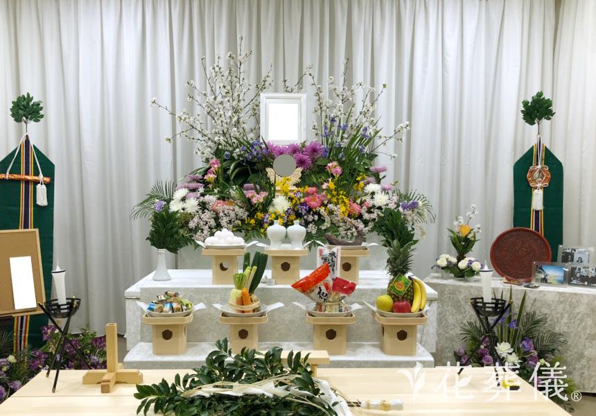 神式葬儀での花祭壇
