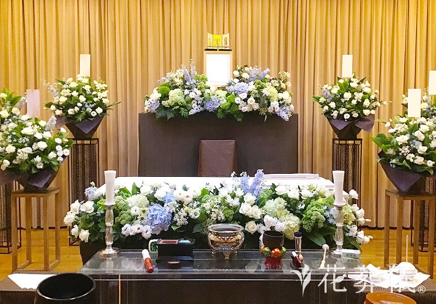人気上昇中の花祭壇