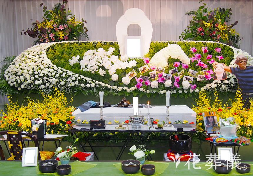 既製品の花祭壇とは