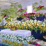 皇室のシンボル「菊」を使った花祭壇