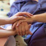 看取りの手順と流れー自宅・病院・特養・その他介護施設