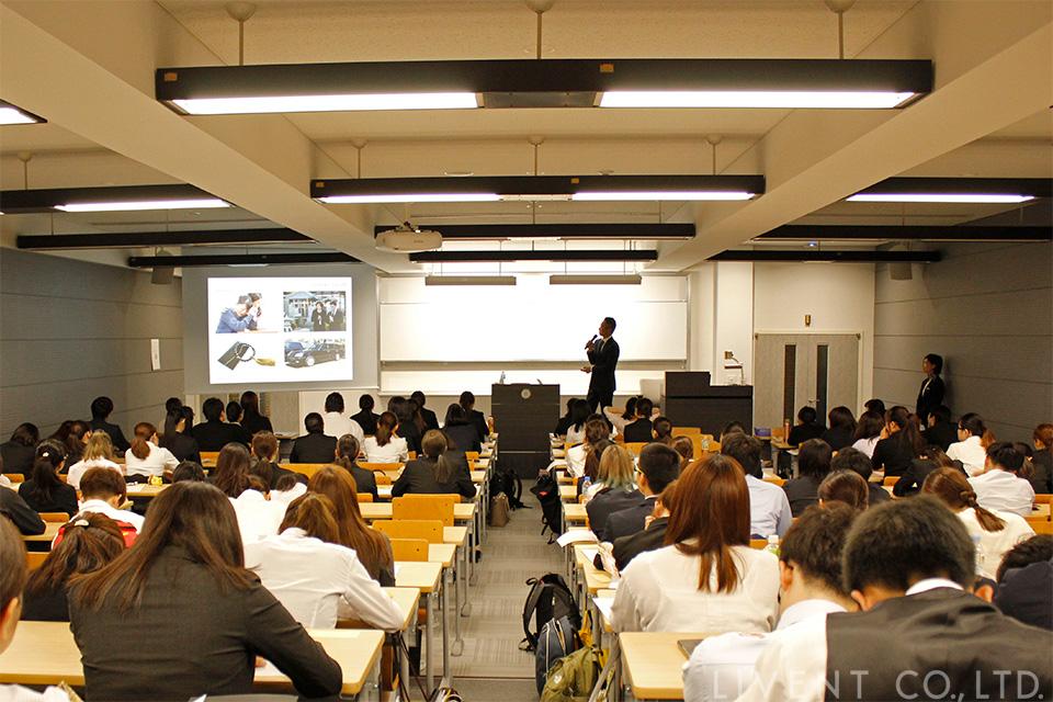 明海大学で講演する三上力央