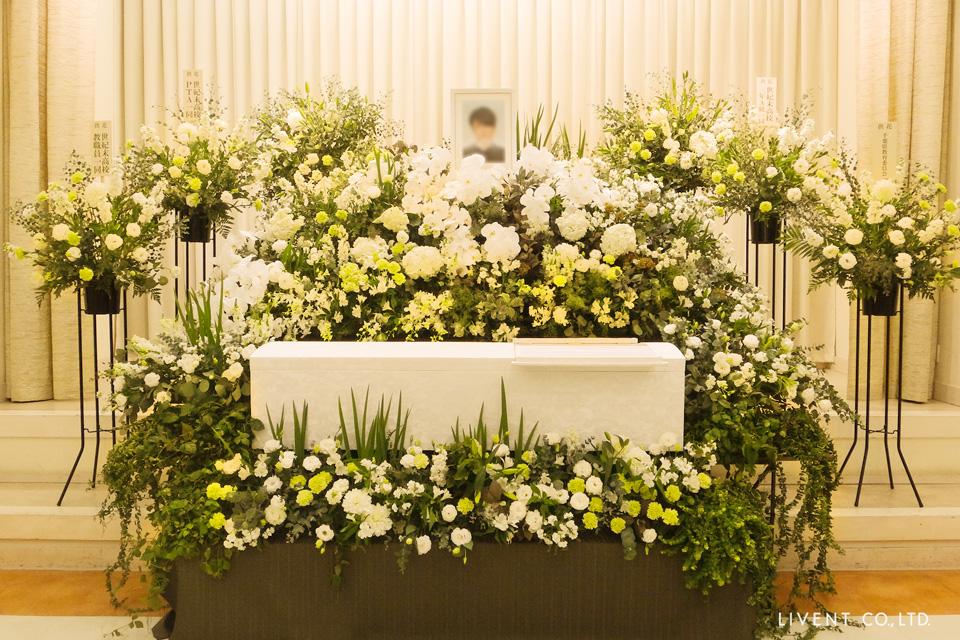 映画「殺さない彼と死なない彼女」花葬儀がタイアップ
