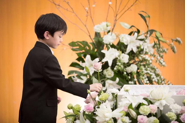 葬儀でのお子さまの服装