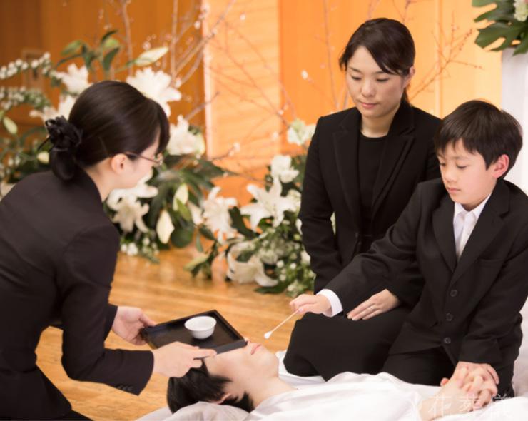 花葬儀のラストメイク納棺の儀