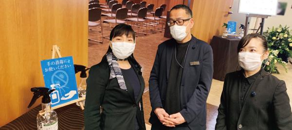 葬儀スタッフは原則マスクを着用