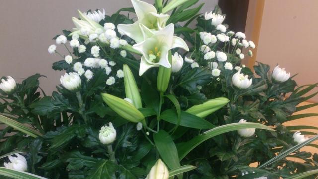 家族葬で会社から香典の代わりによく送られるもの