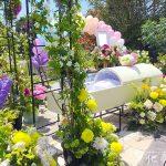 家族葬における祭壇の種類や相場、おすすめの花祭壇事例を紹介